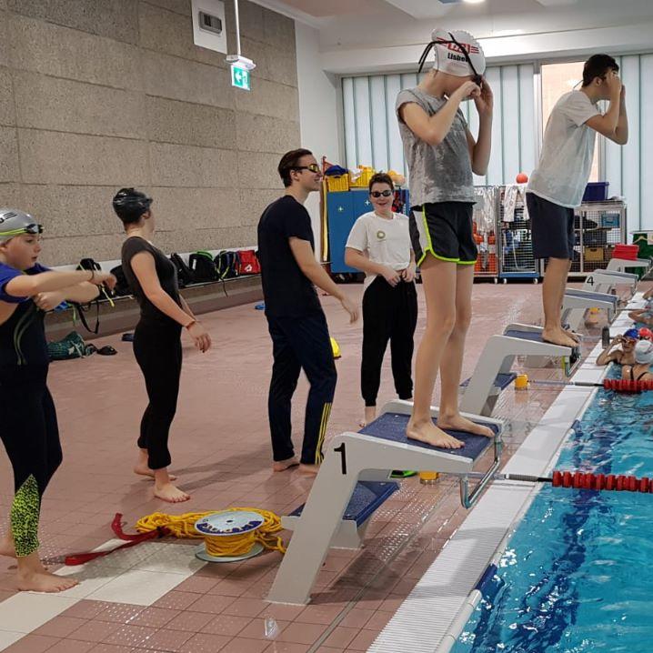 Klamottenschwimmen Saisonfinale im